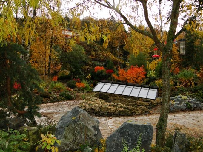 Tufa_Crevice_garden_with_rain_shelter.jpg